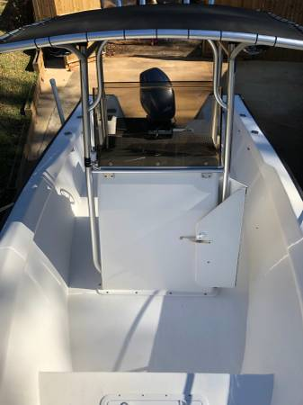 Photo Boat - 2005 2039 Key Largo 206CC - sell or trade for tractor - $17200 (Spanish Fort)