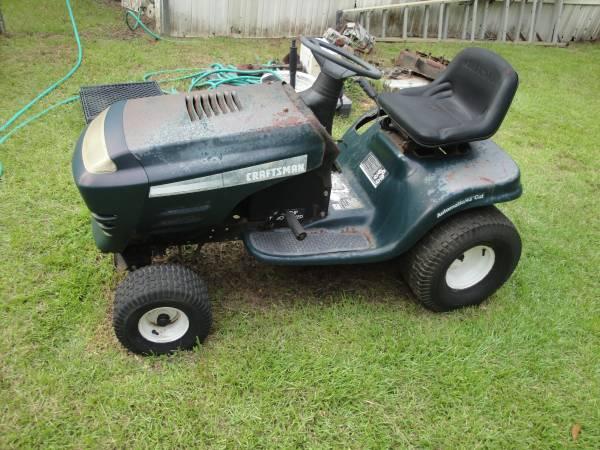 Photo Craftsman mower body wgood transmission, no motor - $110 (Theodore)