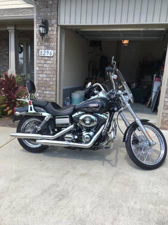 Photo Harley Davidson 2007 Dyna Wideglide - $12,000 (Navarre)