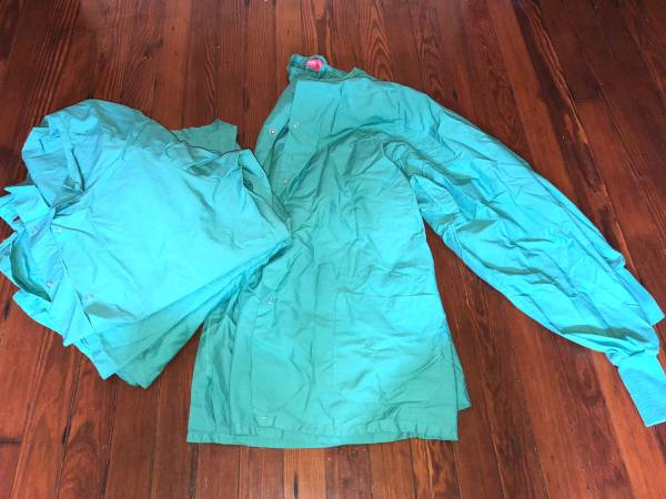 Photo LOT of 4 Womens Snap Fashion Healthcare Long Sleeve Scrub Jackets XL - $25 (New Orleans (Lakeview))