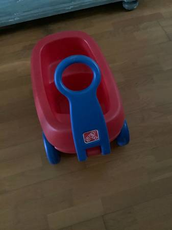 Photo Red wagon - $5 (Mobile)