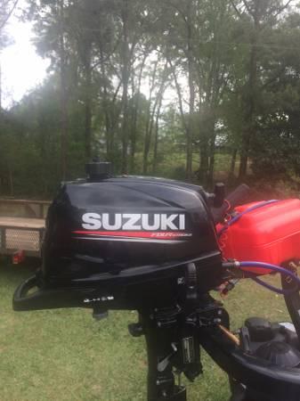 Photo Suzuki Outboard FOUR STROKE - $1100