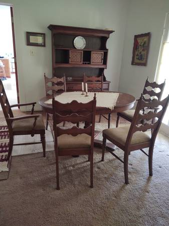 Photo Vintage oak table and chairs dining set - $1,250 (Fairhope)