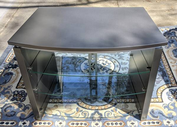 Photo Well made TV Stand andor stereo rack with glass shelves - $40 (Fairhope)