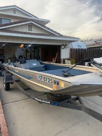 Photo 1992 Bass Tracker Pro 17 Boat - $6,500 (Escalon)
