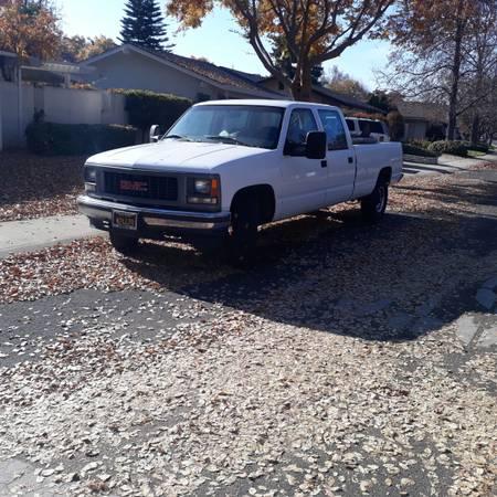 Photo 1997 GMC 3500 CREW CAB VORTEC 5.7 v8 1 TON 2 WHEEL DRIVE AUTO. $3,200.00 - $3,200 (Salida)