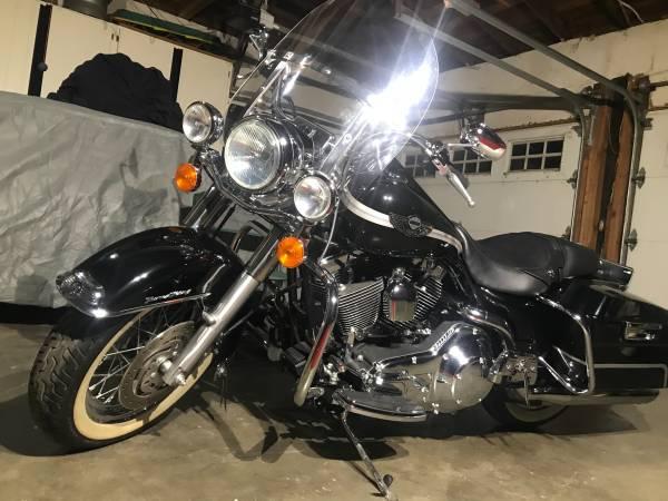 Photo 2003 Harley Davidson road king anniversary edition - $14,500 (Escalon)