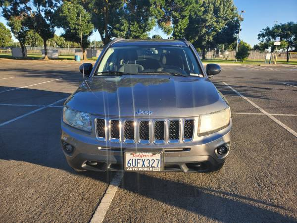 Photo 2011 Jeep Compass Latitude trail rated 4x4 - $6200 (Ceres)