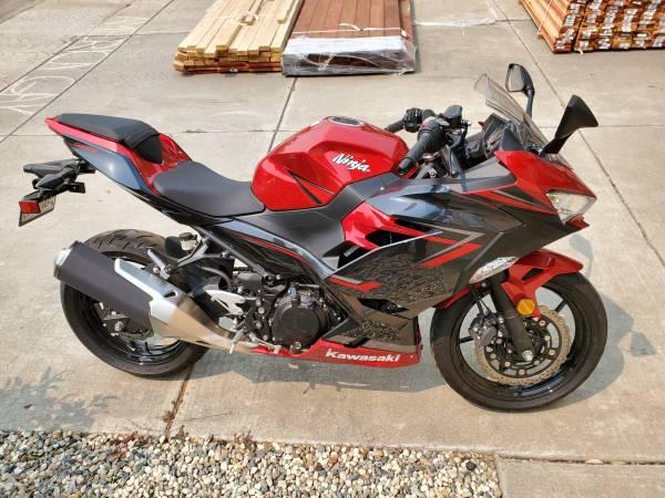 Photo 2019 Kawasaki EX400GKFL - $5,000 (MODESTO)
