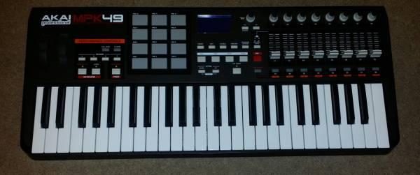 Photo Akai MPK49 USB MIDI Controller Keyboard (Modesto)