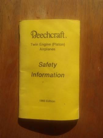 Photo Beechcraft Twin Engine Safety Information Manual - $9 (san jose south)