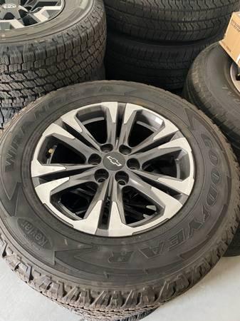 Photo Brand new stock OEM Chevy Colorado wheels and tires 2556517 - $650 (Modesto Ca)
