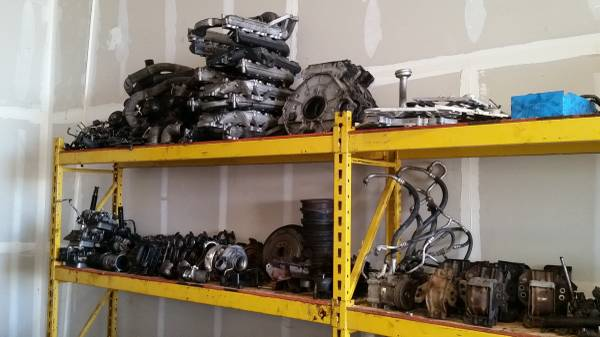 Photo FORD PARTS - $1 (OAKDALE)
