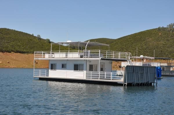 Photo House Boat - $165000 (Lake McClure)