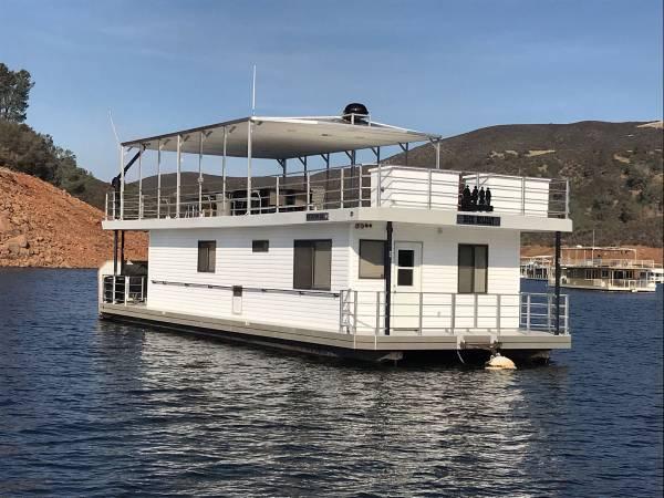 Photo Houseboat Lake McClure - $279999 (Temperance)