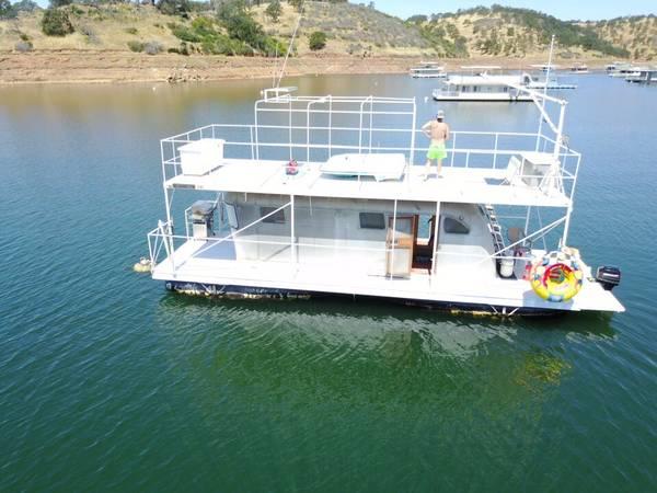 Photo Houseboat with Permit For Sale On Lake Don Pedro - $40000 (Lake Don Pedro)
