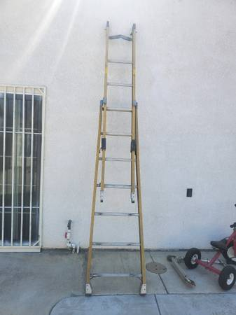 Photo Ladder escalera 12 ft - $40 (Modesto)