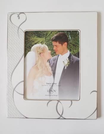 Photo Lenox Procelain True Love 8x10 Frame - $49 (los altos)