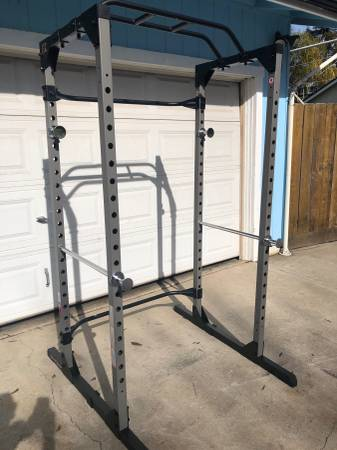 Photo NEW Fitness Reality Squat Rack - $200 (Modesto)
