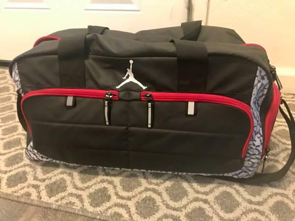Photo Nike Jordan gym bag - $40 (Modesto)