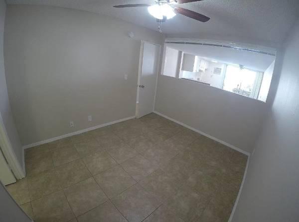 Photo One Bedroom Condo (Modesto, CA)