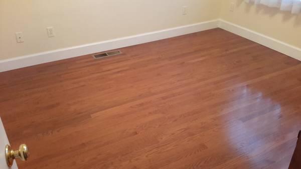 Photo Prefinished 34quot Oak Bruce Hardwood Flooring - $200 (Modesto)