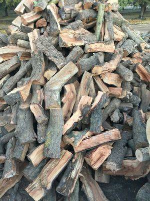 Photo SEASONED ALMOND FIREWOOD FREE LOCAL DELIVERY - $300 (CERES)