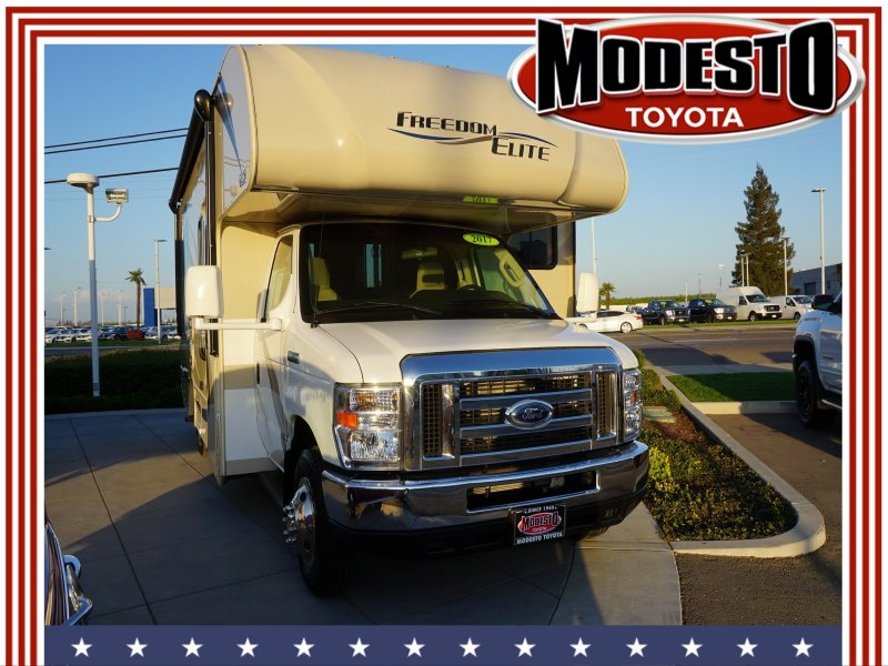 Photo Used 2017 Ford E-350 and Econoline 350 Super Duty for sale