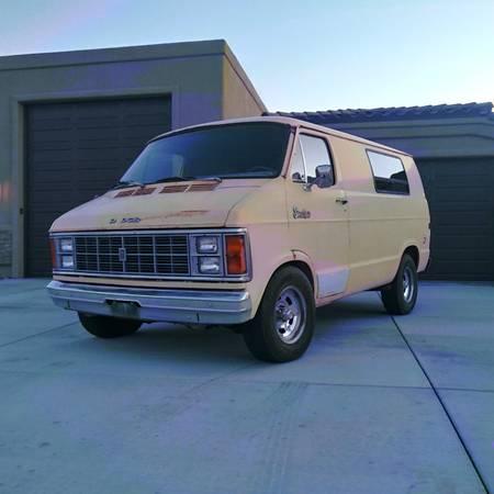 Photo 1979 classic Dodge quotStreet vanquot Hippy Surfer Hot rod - $3500 (Lake Havasu City)
