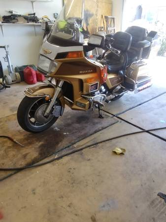 Photo 1985 Honda GL1200 Limited - $2,000 (Ft.Mohave)