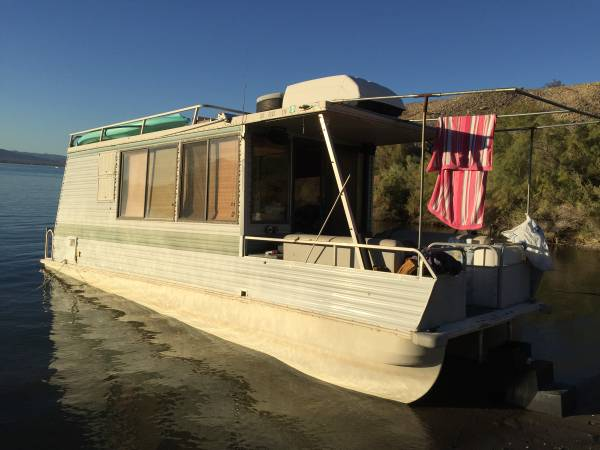Photo 1992 Catamaran Lil Hobo 30 ft Trailerable houseboat for sale - $10,999 (CAPISTRANO BEACH)