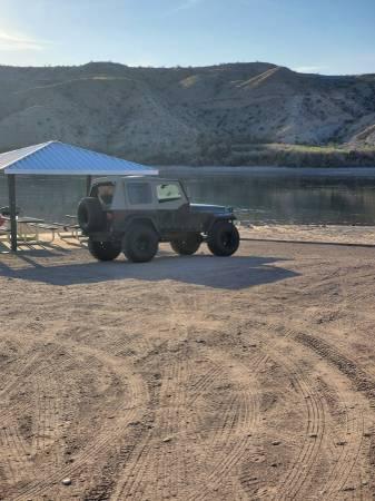 Photo 1994 jeep wrangler 4x4, 2.5l 5sp, New 35s Mt, winch, bumper and more - $6000 (Bhc)