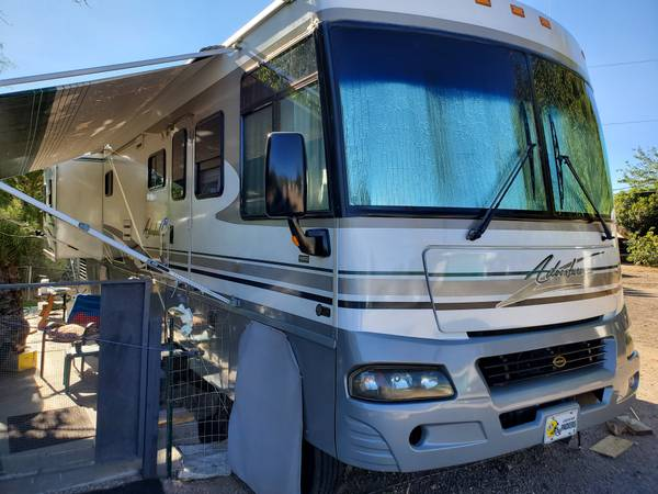 Photo 2004 Winnebago 38G - $36,500 (Kingman AZ)