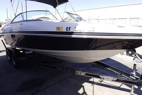 Photo 2006 Rinker 226 Captiva open bow boat in great shape - $25,900 (Lake Havasu City)