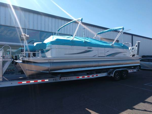 Photo 2021 Qwest Avanti 2839ft Triple Tube Pontoon Boat with Honda 250hp - $79,500 (Got Water Marine  Germaine Marine)