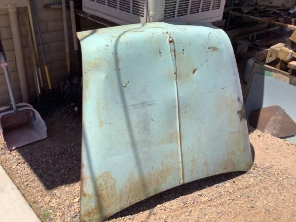 Photo 55 Chevy car hood - $50 (Kingman)