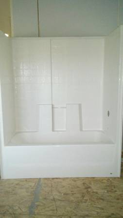 Photo 60 x 30 x 75 in. 1-Piece Bath and Shower Insert, with right drain - $500 (GOLDEN VALLEY)