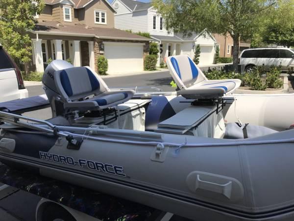 Photo BRAND NEW 2018 Hydro Force Inflatable w 20 HP Honda Outboard - $5,500 (Lake Havasu)