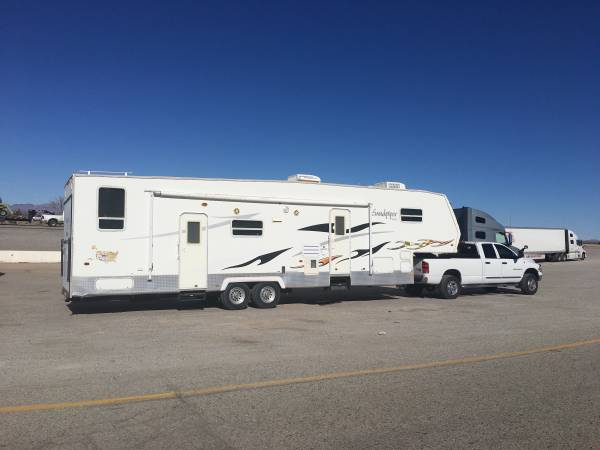 Photo Do you have a 5th wheel, trailer, boat or car that needs to be moved  - $80 (lake Havasu city  beyond)