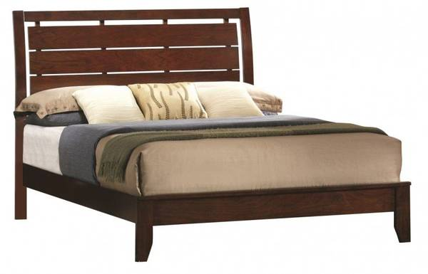 Photo Full size evan cherry bed with full size boncel pocketed coil mattress - $389 (Lake Havasu City)