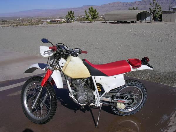 Photo Honda XR 200 - $1,600 (Meadview)