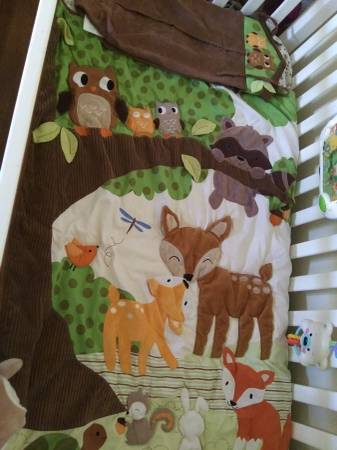 Photo Lambs and Ivy woodland tales crib set - $30 (Kingman)
