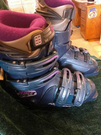Photo Lightly used Nordica 67 NEXT Snow Ski Boots US woman39s 7.5 mondo 24.5 - $40 (NEEDLES)