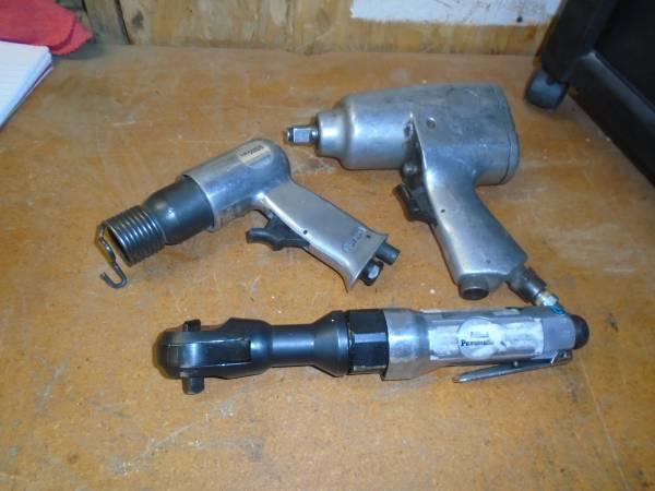 Photo Pneumatic Air Tools Craftsman Impact Ratchet Chisel BHC - $30 (Bullhead City)