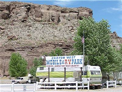 Photo RV Park Backs to Red Rock Canyon and only 5 minutes to town (Kingman, AZ)