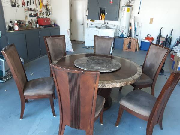 Photo STUNNING 6 SEAT DINING TABLE WITH LAZY SUSAN - $600 (Kingman)