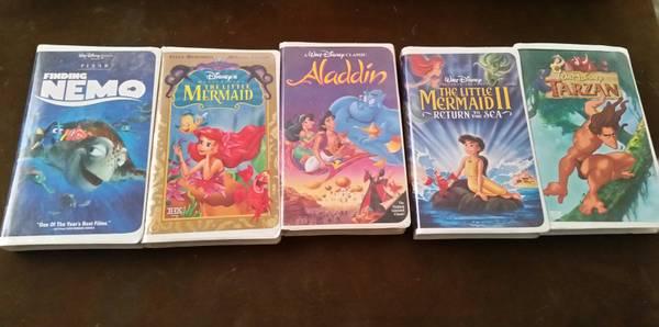 Photo Set of five (5) Disney VHS tapes - $10 (Lake Havasu City)