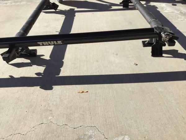 Photo Thule roof rack with 2 bike mounts and kayak - $125 (Lake Havasu City)
