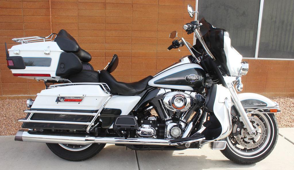 Photo 2008 Harley-Davidson FLHTCU - Ultra Classic Electra Glide $10799