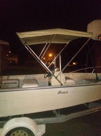 Photo 1984 Center Console Bonito fishing boat - $700 (Jackson)